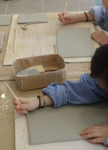 poterie plaques enfants